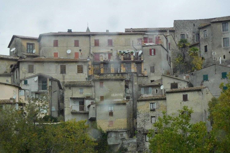 Exílio en Genova, Turín, Roccagiovine, Marcellina